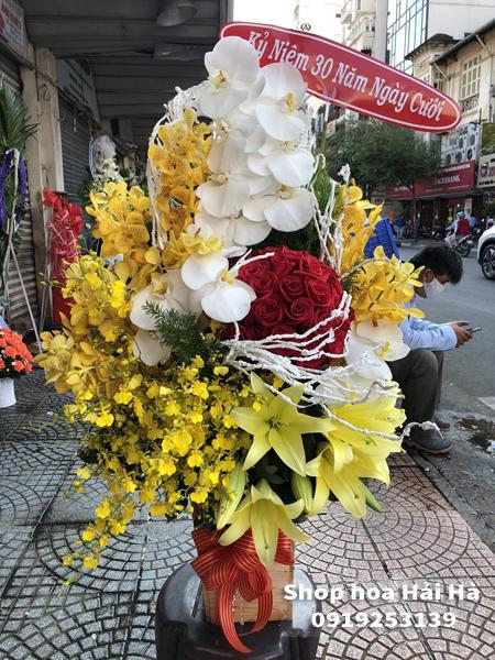 Giỏ hoa chúc mừng ngày 20/10 giỏ hoa tình yêu