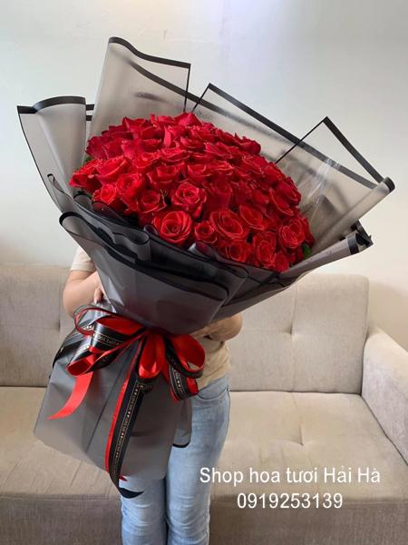 Bó hồng đỏ tặng ngày 20 tháng 10 bó hồng tình yêu