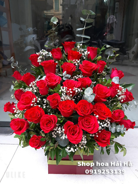 Giỏ hoa tặng ngày 20/10 hoa hồng đỏ