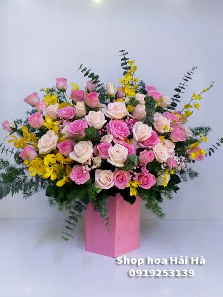 Giỏ hoa ngày 20/10 hoa hồng sen hồng phấn