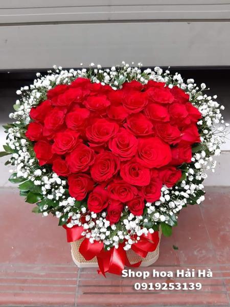 Giỏ hoa trái tim tặng ngày 20 tháng 10