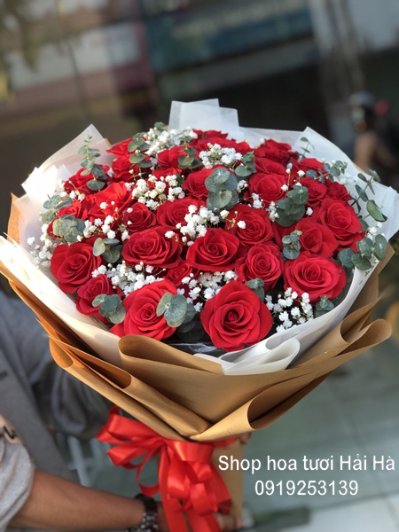 Bó hoa hồng đỏ tặng ngày 20-10 chân thành
