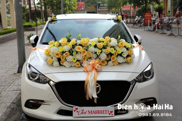 Hoa lụa kết xe cưới năm 2021 hoa hồng vàng hồng trắng