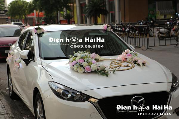Bộ hoa trang trí xe cưới màu 2021