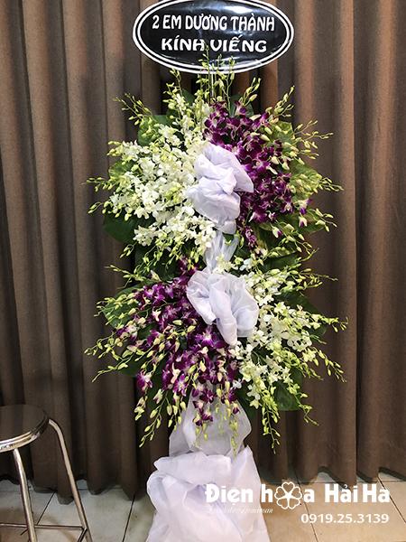 Lẵng hoa chia buồn 2 tầng lan tím lan trắng