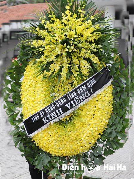 Đặt vòng hoa tang lễ tại Hà Nội hoa lan vàng