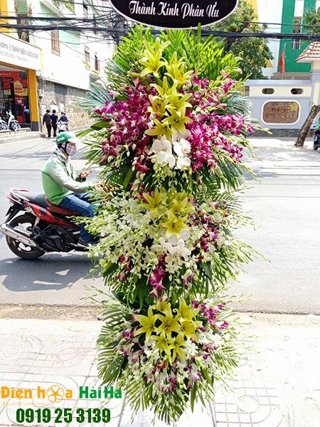 Vòng hoa đám tang 3 tầng