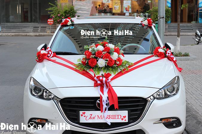 Bộ hoa trang trí xe cưới bằng hoa lụa hồng đỏ phiên bản mới HOT 2021