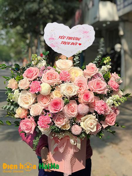 """Hoa tặng ngày 8/3 """"Yêu thương trọn vẹn"""""""