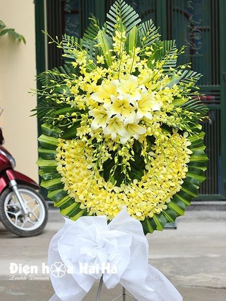Vòng hoa chia buồn hoa lan vàng sang trọng thành kính