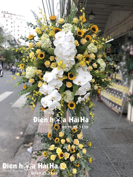 Kệ hoa tặng khai trương cửa hàng – Tấn Phát