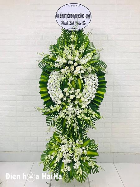 Kệ hoa chia buồn lan trắng 2 tầng thành kính