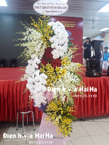 Đặt lẵng hoa chúc mừng đại hội công ty – Phát Đạt Hưng Thịnh