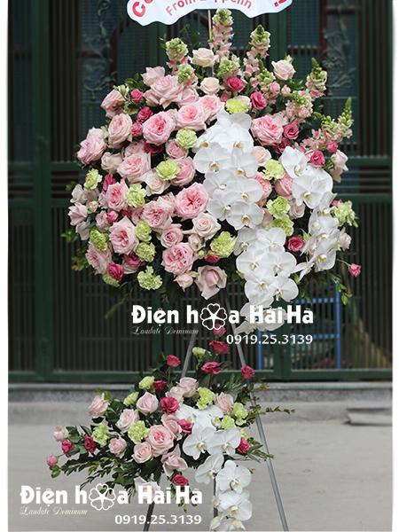Lẵng hoa đẹp chúc mừng tông hồng phấn quý tộc