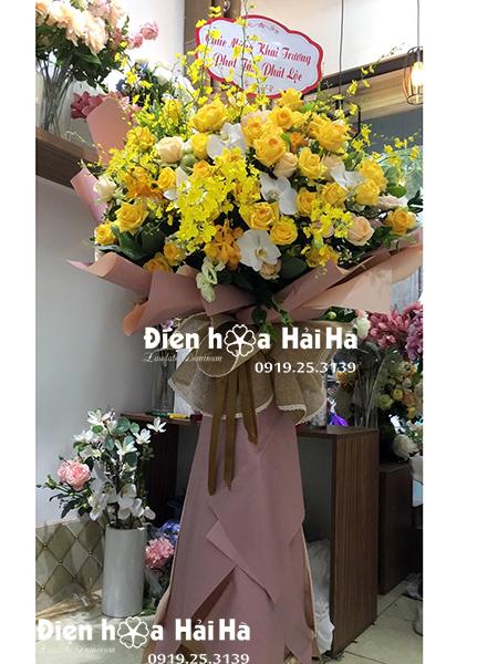 Đặt kệ hoa đẹp mừng khai trương 1 tầng Hoàng Gia cao cấp