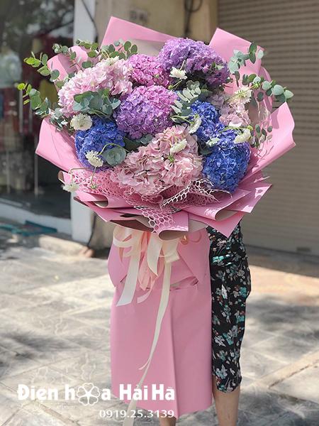 Bó hoa cẩm tú cầu nhập khẩu – Mong manh