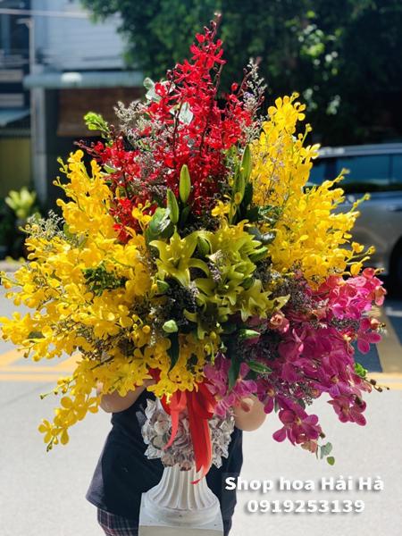 Bình hoa sinh nhật hoa lan – Toả sáng