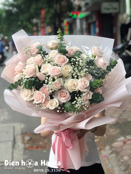 Bó hoa ngày 20/10 hồng kem đẹp