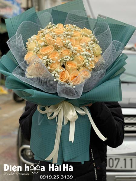 Bó hoa hồng kem vàng – Kim cương