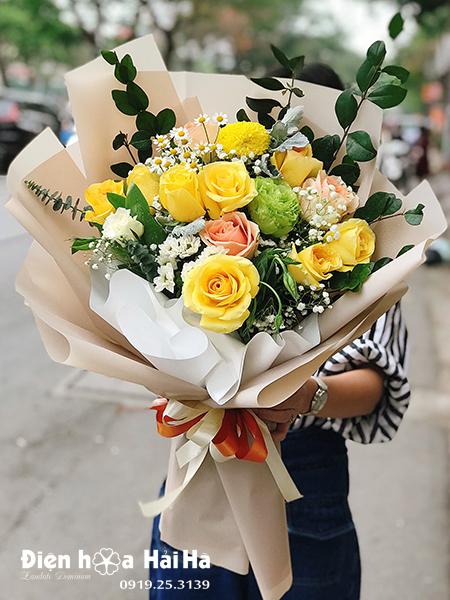Bó hoa tặng sinh nhật tông vàng trắng – Tinh khôi