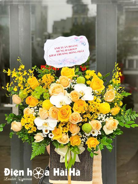 Giỏ hoa mừng sinh nhật màu vàng – Vạn Lộc