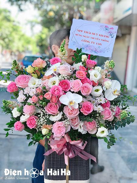 Giỏ hoa sinh nhật đẹp – Cát tường