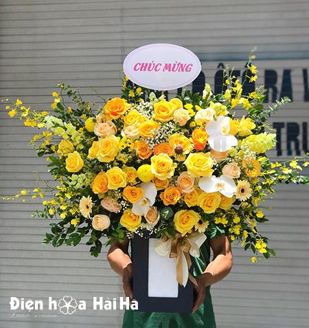 Giỏ hoa sinh nhật đẹp – Thời thượng