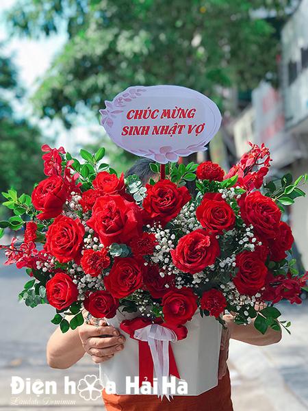 Giỏ hoa sinh nhật hồng đỏ – Nồng cháy