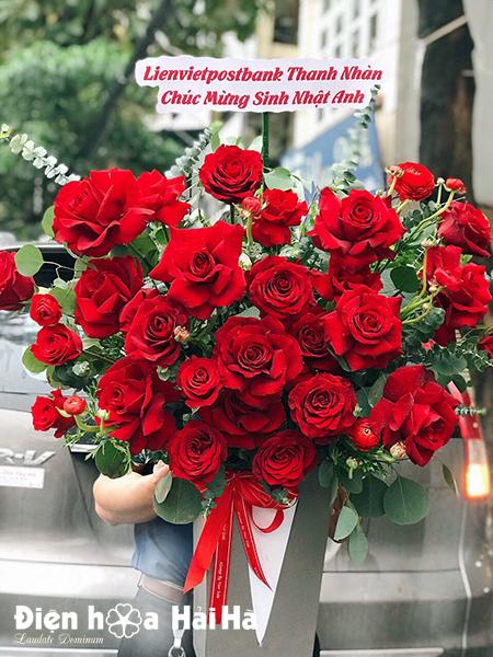 Giỏ hoa sinh nhật hồng đỏ – Thành công viên mãn