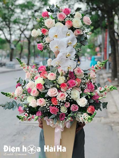 Giỏ hoa tặng sinh nhật 2 tầng – Quý phái